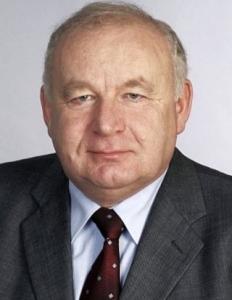 Dr. Kapronczai István